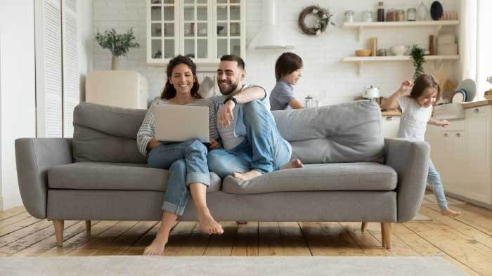positive and negative effects of technology on family life